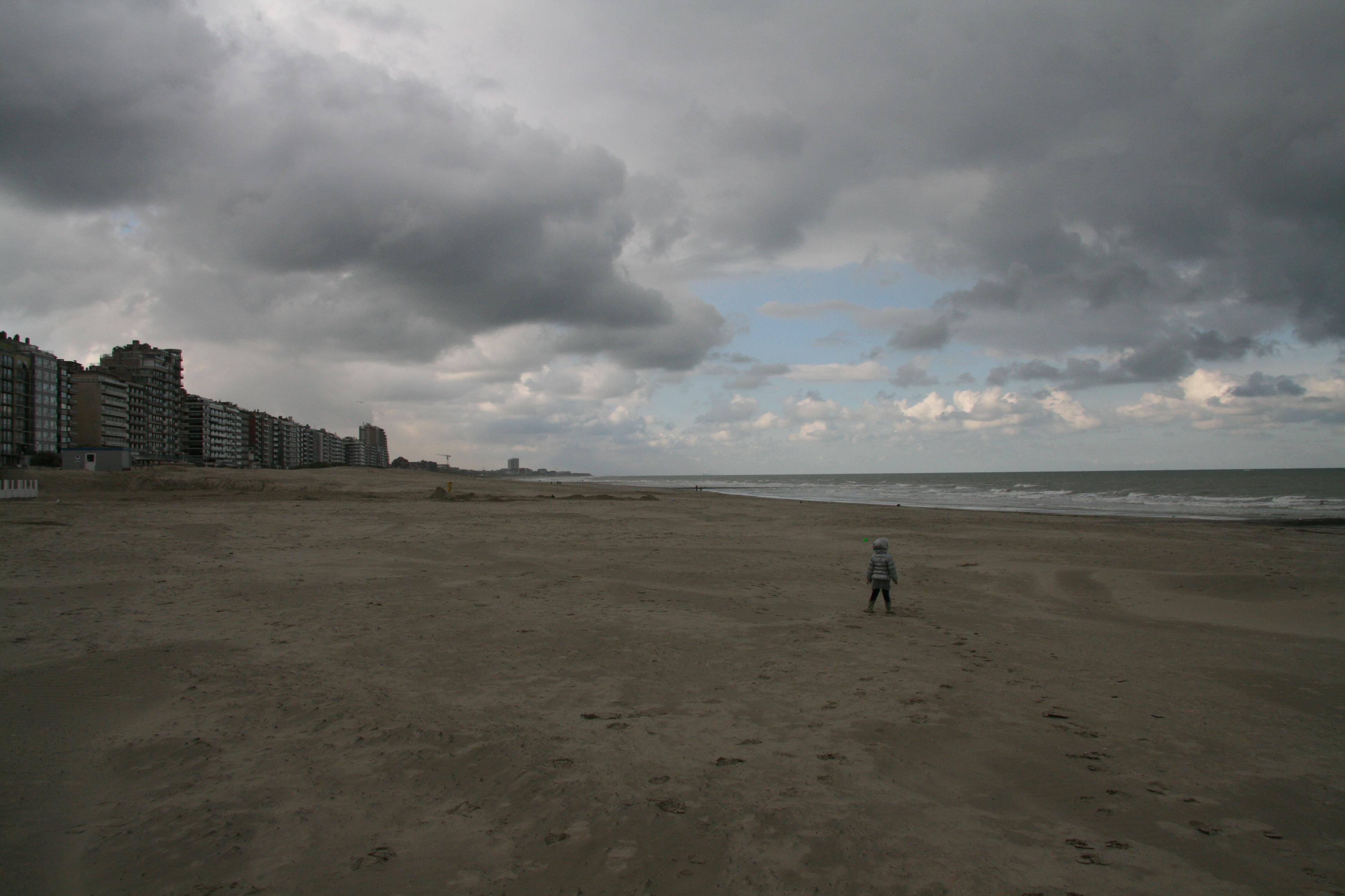 Belgi plopsaland strand zwembad en regen - Strand zwembad natuursteen ...